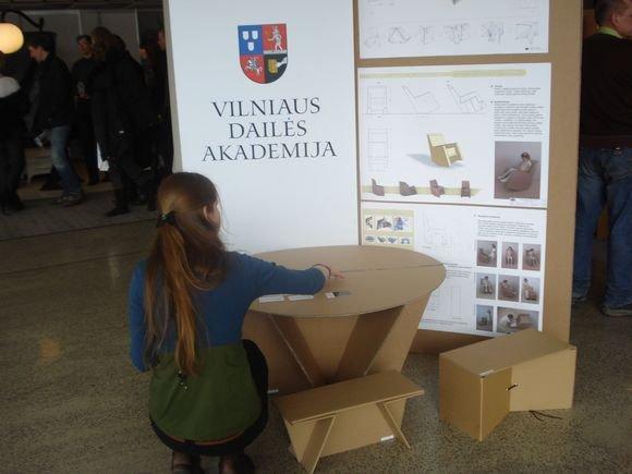 Redos Barkauskaitės nuotr./Vilniaus dailės akademijos studentų baldai.