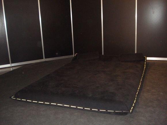 Redos Barkauskaitės nuotr./Gal norėtumėte įsugyti tokią lovą?