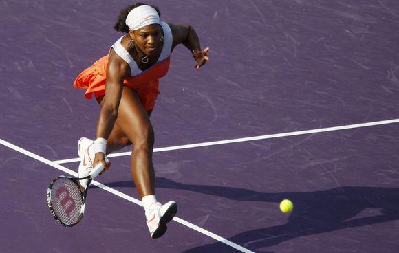 Turnyro favoritė S.Williams jau ketvirtfinalyje.