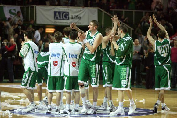 """Visi už bilietus į miuziklą """"Bučiuok mane, Keit"""" surinkti pinigai bus skirti Kauno """"Žalgirio"""" krepšinio komandai."""
