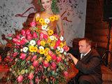 Teodoro Biliūno nuotrauka/Goda Sabutytė ir Modestas Vasiliauskas: suknelė iš velykinių margučių