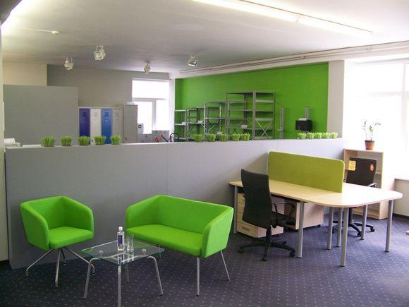 Klaipėdoje atidarytas naujas biuro baldų salonas.