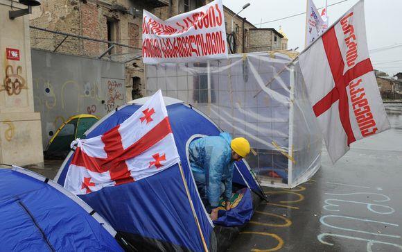 Opozicijos atstovai protestuota Tbilisyje.