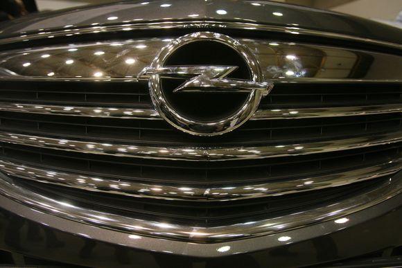 Opel Insignia. LITEXPO parodų rūmuose prasidėjo tradicinė automobilių ir laisvalaikio transporto priemonių paroda ALT 2009