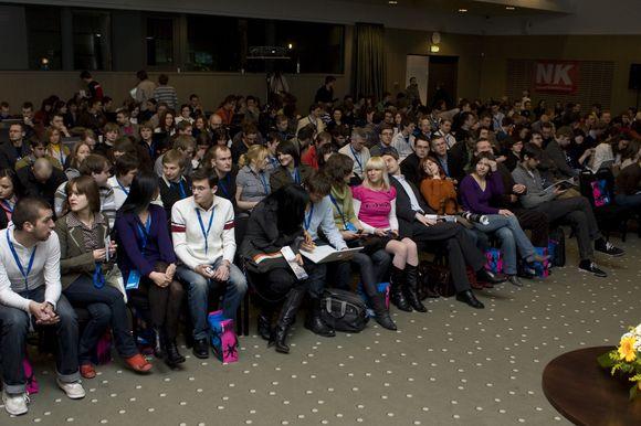 """Birželio 4 d. Vilniuje, """"Siemens"""" arenoje vyks interneto ir tinklaraščių konferencija """"Login2009"""", į kurią jau trečius metus kviečia jungtis konferencijos draugas """"Omnitel""""."""