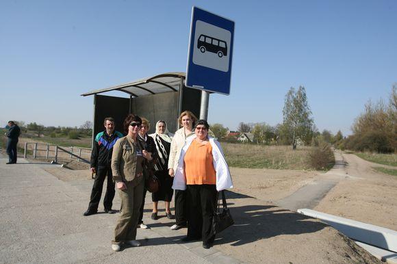 Bukiškėse gyvenanti V.Janovskaja sakė bijanti, kad nuo gegužės nebeturės kaip grįžti iš darbo namo.