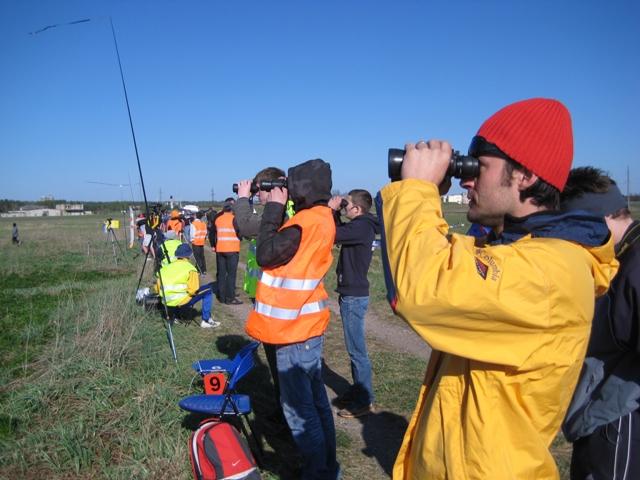 Plačioje pievoje už Palunkio aerodromo (Trakų raj.) vyksta tarptautinės aviamodeliuotojų varžybos BALTIC CUP 2009.