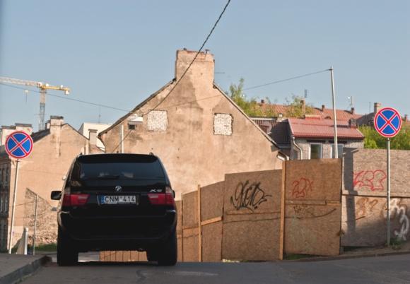 Fotopolicija. BMW senamiestyje.