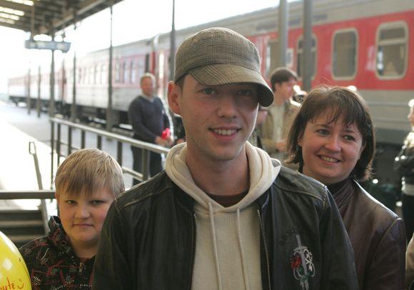 Pirmadienio ryte Sasha Son(g) grįžo iš Maskvos.