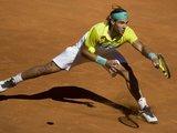 """""""Reuters""""/""""Scanpix"""" nuotr./R.Nadalis iki Madrido turnyro sėkmingai žaidė su R.Federeriu."""