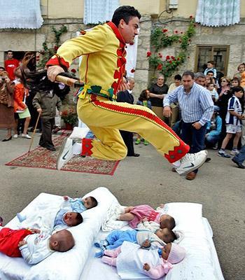 Keisčiausi pasaulio festivaliai.