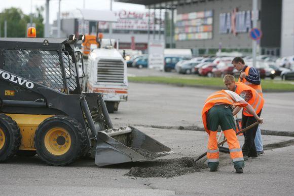 Kelininkų ranką pajus tik maža dalis Kauno gatvių. Mažesnės, nuošaliau esančios gatvelės ir toliau išliks savo automobilius saugančių vairuotojų siaubu.