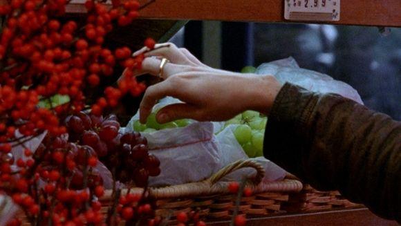 """Kadras iš kino filmo """"Malonumas būti apiplėštam""""."""