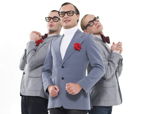 """Mantas su """"Gyčio Ivanausko teatro"""" šokėjais"""