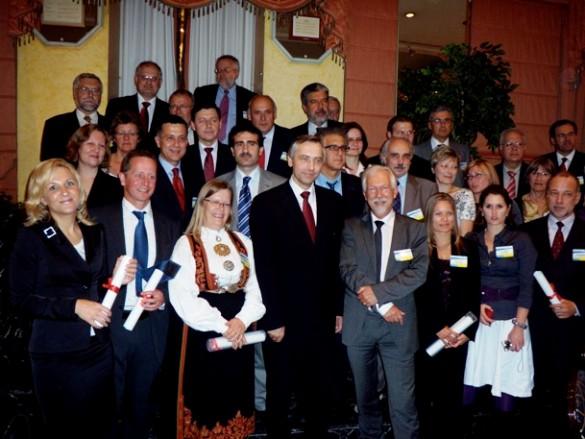 Klaipėdos Socialinių mokslų kolegijos direktorės pavaduotoja strategijai ir plėtrai Gabija Mikalauskienė (pirma iš kairės) įsiamžino su kitų Europos aukštųjų mokyklų atstovais.