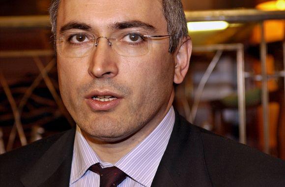 M.Chodorkovskio veide jau galima išvysti šypseną, nors Maskvoje nagrinėjama antroji jo byla.