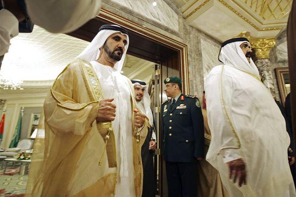 Dubajaus šeicho Mohammedo bin Rashido Al Maktoumo (kairėje) turtai sumažėjo labiausiai.