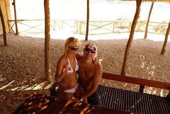 Mindaugas ir Inga, bikini porelė