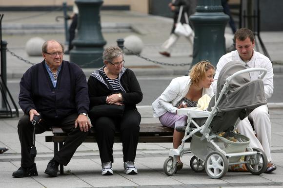 Į protestą atėję tėvai