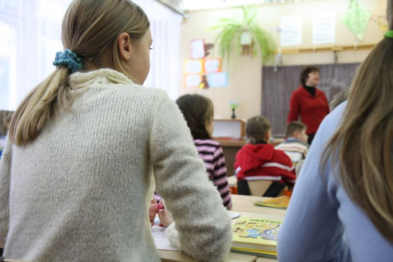 Taupymas švietimo įstaigų darbuotojus privers išleisti nemokamų atostogų.