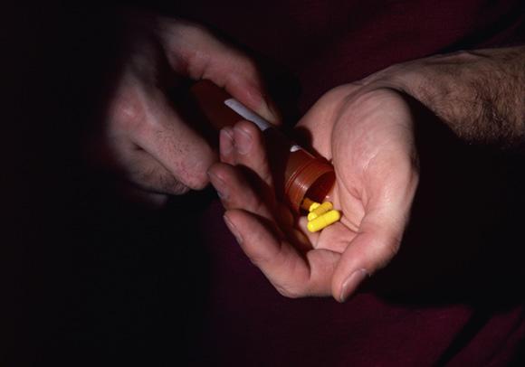 Pedofilai savo aukas neretai apsvaigina įvairiais medikamentais ar kitomis medžiagomis, pvz., klofelinu.