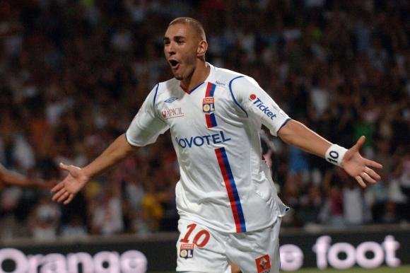 Prancūzijos čempionate K.Benzema praėjusiame sezone sužaidė 36 rungtynes ir įmušė 17 įvarčių.