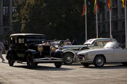Senovinių automobilių žygis