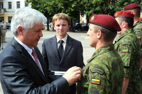 Karių iš Kosovo sutikimas