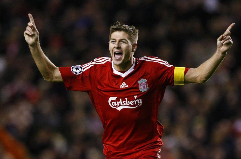 "S.Gerrardas pratęsė sutartį su ""Liverpool""  dar keturiems metams"