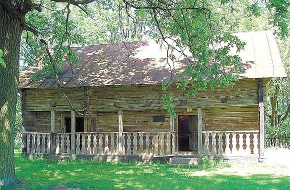 Iš buvusios Kudirkų šeimynos sodybos likusi tik klėtis.