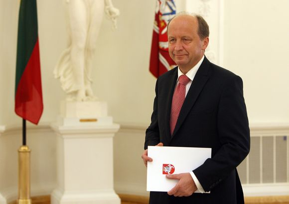 Premjeras Andrius Kubilius grąžino prezidentei Vyriausybės įgaliojimus.