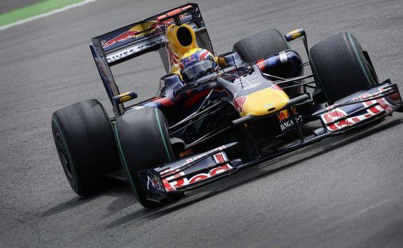 """32 metų M.Webberiui pergalė Nurburgringe buvo pirmoji """"Formulėje-1"""" per jo karjerą."""