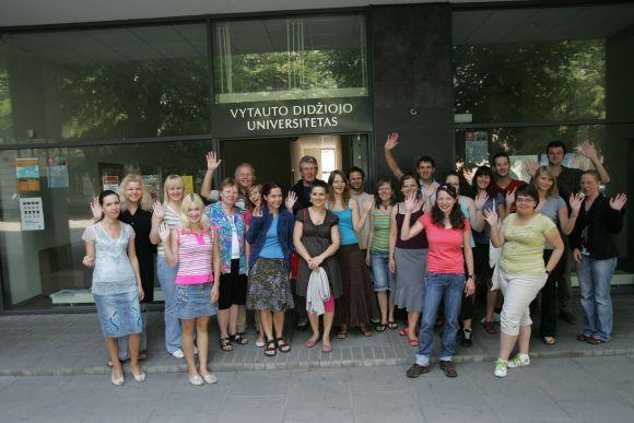VDU organizuojami vasaros kursai užsieniečiams patraukia ne tik Europos, bet ir kitų pasaulio šalių jaunimą.