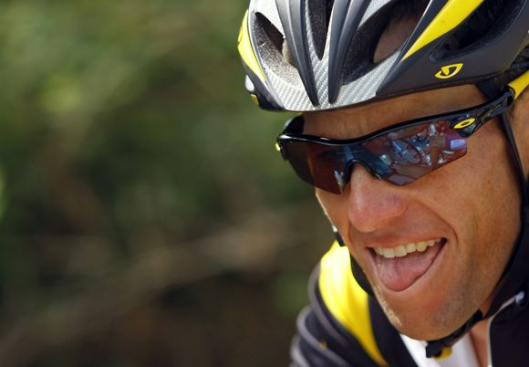 """L.Armstrongas norėtų ir kitais metais dalyvauti """"Tour de France"""""""