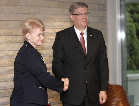 Prezidentė Dalia Grybauskaitė su Latvijos prezidentu Valdžiu Zatleru