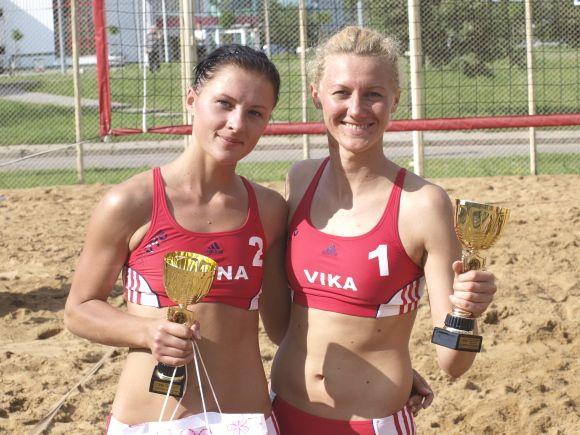 Nugalėtojos Diana Šuopytė ir Vika Daškevičiūtė