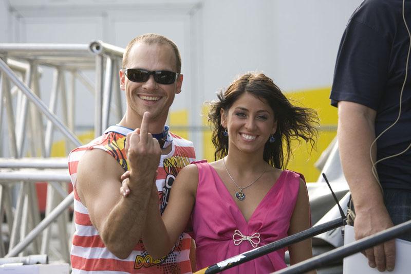 Foto naujienai: Audrius Bružas  ir Šorena Džaniašvili: nepadorūs gestai