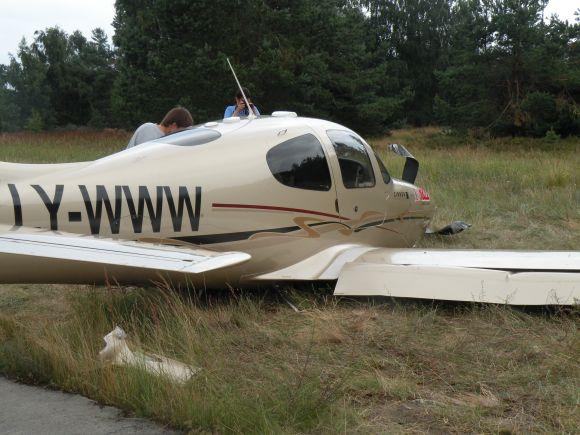 "Verslininko Tado Karoso lėktuvas ""Cirrus SR22"" Nidoje"