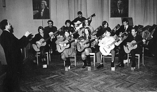 J.Rimkevičius įkūrė pirmąją klasikinės gitaros klasę Lietuvoje.