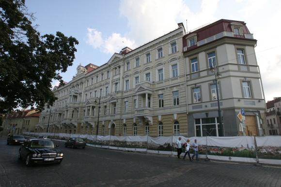 """Viešbutyje """"Kempinski Hotel Cathedral Square Vilnius"""", anot jo atstovų, vyksta paskutiniai statybos darbai. Viešbutį planuojama atidaryti kitąmet."""