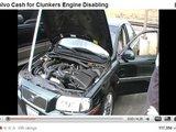 """Youtube.com stop kadras/Per žiaurią egzekuciją suniokojamas ir šis gražuolis """"Volvo"""" sedanas."""