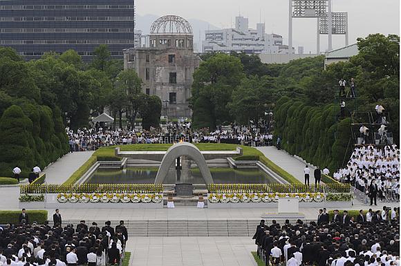 Atominio bombardavimo metinių ceremonija Hirošimos Taikos parke