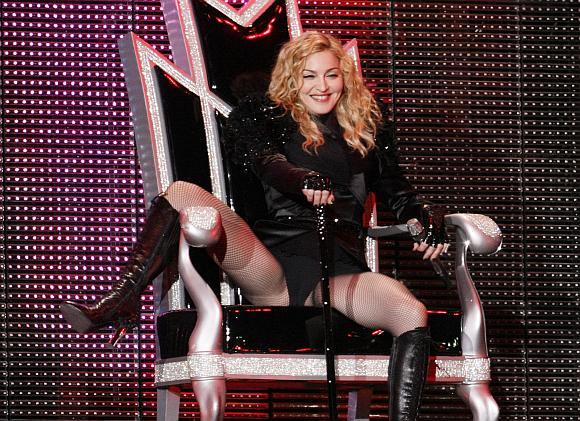 Koncertuodama Varšuvoje Madonna atšventė ir savo 51-ąjį gimtadienį