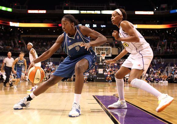 Q.Hollingsworth - jauniausia WNBA žaidėja.