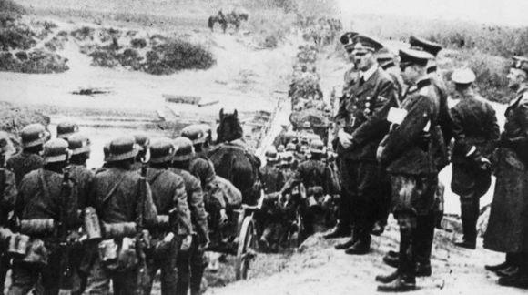 1939 metų rugsėjo 1 dieną Vokietijos kariuomenė kirto Lenkijos sieną.