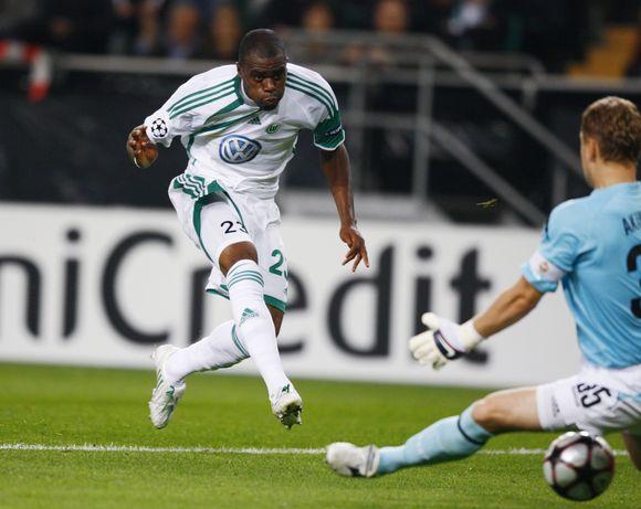 """""""Wolfsburg"""" klubą į pergalę prieš D.Šembero CSKA ekipą vedė tris įvarčius įmušęs brazilas Grafite"""