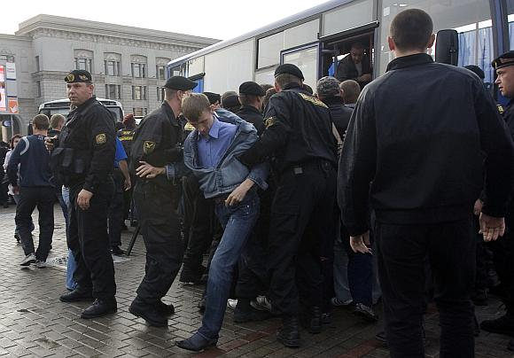 Baltarusijos milicija išvaikė opozicijos mitingą