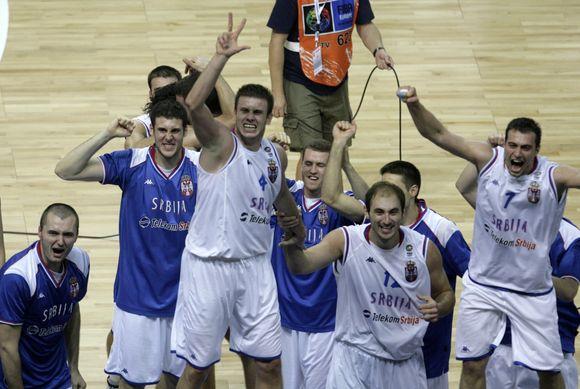 Serbai nusipelnė pergalės ir vietos finale