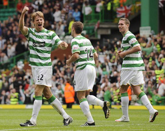 "G.Loovensas (kairėje) pergalę ""Celtic"" klubui išplėšė jau tiksint teisėjo pridėtam laikui"