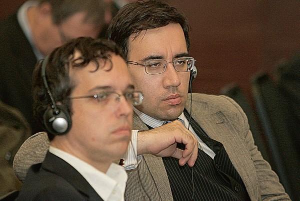 Rusijos istorikai A.Vlasovas (kairėje) ir A.Diukovas savo darbuose aktyviai neigia Lietuvos okupacijos faktą.